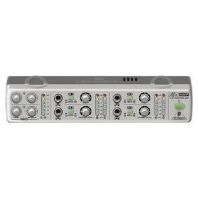 Усилитель-распределитель BEHRINGER AMP800